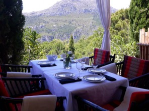 Luxurious & Romantic Safari Tent with Private Plunge Pool in Casares, Andalucia, Spain