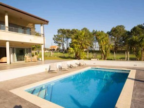 5 Bedroom House with Pool & Sea Views 5 mins from Montalvo Beach, Galicia, Spain
