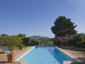 6 Bedroom Traditional Farmhouse in Balearic Islands, Mallorca, Santanyi