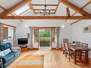2 Bedroom Family Friendly Barn Conversion next to Private Woodland in Camarthenshire, West Wales