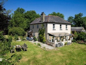 6 Bedroom Farmhouse in the Preseli Mountains, Pembrokeshire, West Wales