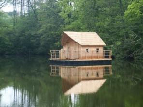 1 bedroom Cabin by the water near La Baconnière, Mayenne, Pays de la Loire, France