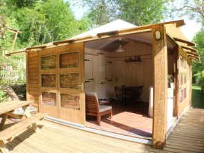 2 bedroom Safari Lodge near Saint Constant, Cantal, Auvergne-Rhône-Alpes, France