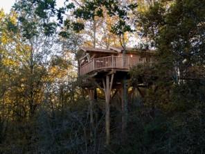 1 bedroom Cabin on Stilts near Puygaillard De Quercy, Tarn-et-Garonne, Midi-Pyrenees, France