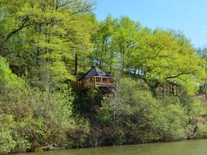 1 bedroom Cabin on Stilts near Conques-En-Rouergue, Aveyron, Midi-Pyrenees, France