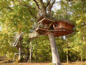 2 bedroom Treehouse near Pompignac, Gironde, Nouvelle-Aquitaine, France