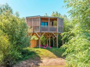 1 bedroom Cabin on Stilts near Chablis, Yonne, Burgundy-Franche-Comte, France
