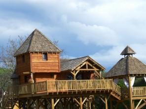 2 bedroom Cabin on Stilts near Carsac-Aillac, Dordogne, Nouvelle Aquitaine, France
