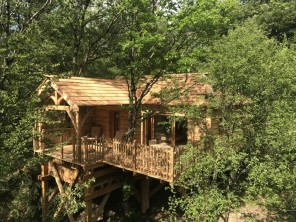 1 bedroom Treehouse near Bonlieu, Jura, Burgundy-Franche-Comté, France