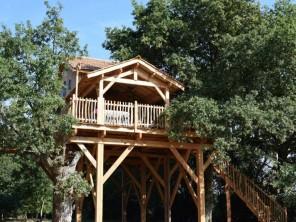 2 bedroom Treehouse near Sace, Mayenne, Pays de la Loire, France