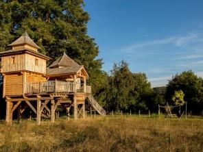 2 bedroom Cabin on Stilts near Chavanat, Creuse, Nouvelle Aquitaine, France