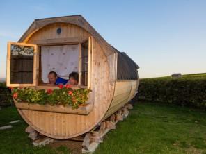 1 bedroom Barrel near Fleurie, Rhône, Auvergne-Rhône-Alpes, France