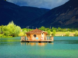 1 bedroom Cabin by the water near Châtillon En Diois, Drôme, Rhone Alps, France
