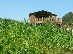 2 bedroom Trapper's Cabin near Suzy, Aisne, Picardy, France
