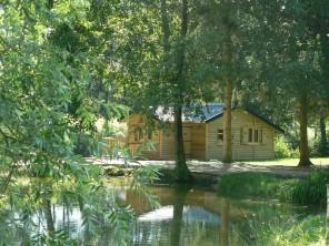 2 bedroom Cabin near Suzy, Aisne, Picardy, France