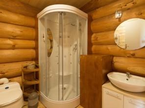 1 bedroom Trapper's Cabin near Le Nizan, Gironde, Nouvelle-Aquitaine, France