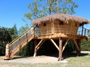 1 bedroom Cabin on Stilts near L'isle-Sur-La-Sorgue, Vaucluse, Provence-Cote d`Azur, France