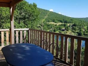 1 bedroom Cabin on Stilts near Serrières-Sur-Ain, Ain, Rhone Alps, France