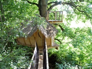2 bedroom Treehouse near St Germain Des Essourts, Seine-Maritime, Normandie, France