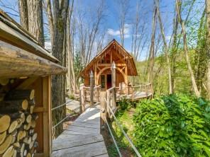 1 bedroom Cabin on Stilts near Corcelle-Mieslot, Doubs, Bourgogne-Franche-Comté, France
