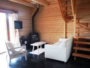 2 bedroom Cottage near Lapeyrugue, Cantal, Auvergne-Rhône-Alpes, France