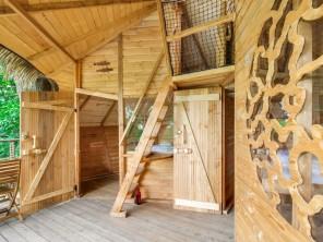 2 bedroom Treehouse near La Baconnière, Mayenne, Pays de la Loire, France