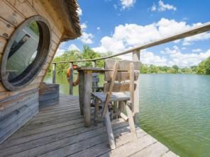 1 bedroom Cabin by the water near Chassey-Lès-Montbozon, Haute-Saône, Bourgogne-Franche-Comté, France