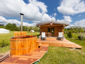 1 bedroom Trapper's Cabin near Le Nizan, Gironde, Nouvelle Aquitaine, France