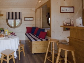 1 bedroom Cabin near Bar Sur Aube, Aube, Grand Est, France