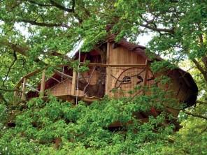 1 bedroom Treehouse near La Chapelle Chaussée, Ille-et-Vilaine, Brittany, France