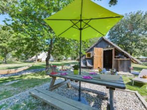 1 bedroom Cabin near Richerenches, Vaucluse, Provence-Cote d`Azur, France