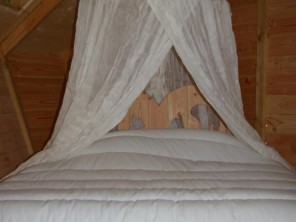 2 bedroom Treehouse near Magné, Vienne, Nouvelle-Aquitaine, France