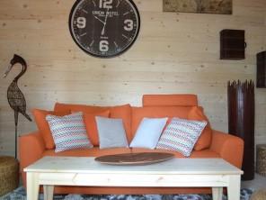2 bedroom Cabin near Magné, Vienne, Nouvelle Aquitaine, France