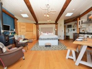 1 bedroom Chalet / Lodge near Lampeter, Mid Wales, Wales