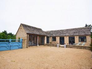 1 bedroom House / Villa near Lechlade, Gloucestershire, England