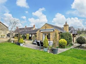 3 bedroom House / Villa near Banbury, Warwickshire, England
