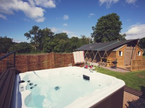 3 bedroom Chalet / Lodge near Abergavenny, South Wales, Wales