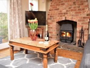 2 bedroom Cottage near Moreton -in- Marsh, Warwickshire, England