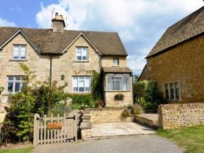 2 bedroom Cottage near Cheltenham, Gloucestershire, England
