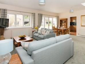 1 bedroom House / Villa near Bampton, Oxfordshire, England