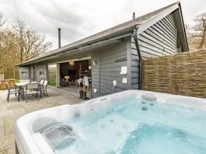 2 bedroom House / Villa near Diss, Suffolk, England