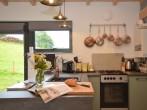 Cute contemporary kitchen