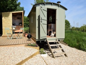 1 bedroom Chalet / Lodge near Swindon, Wiltshire, England
