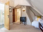 Double bedroom with additional single bed