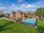 House in Aylesbury, Buckinghamshire (62824) #1