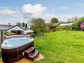 2 bedroom House / Villa near Fowey, Cornwall, England