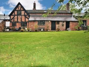 4 bedroom House near Malpas, North Wales, Wales