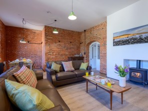 3 bedroom Apartment near Freshwater, Isle Of Wight, England