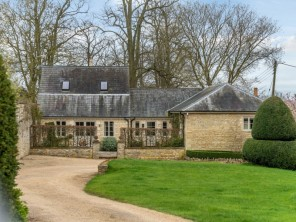 4 bedroom House / Villa near Milton Keynes, Northamptonshire, England