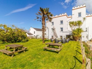 8 bedroom House near Angle, West Wales / Pembrokeshire, Wales